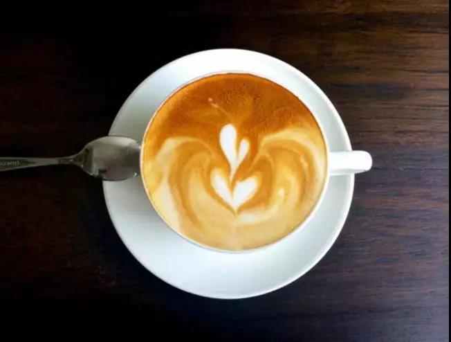 NYC纽约国际西安高新早教中心:〖小小咖啡师活动预告〗寒冷的冬天里,还有比手捧一杯温热的咖啡更让人幸福的事吗?