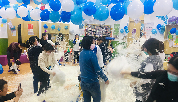 NYC纽约国际陕西宝鸡早教中心:【活动回顾】冰雪奇缘生日会