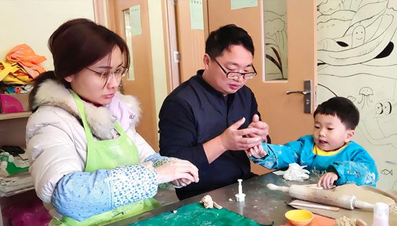 NYC纽约国际武汉汉阳早教中心:亲子陶艺DIY活动回顾