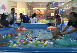 纽约国际水育馆第一届游泳大赛